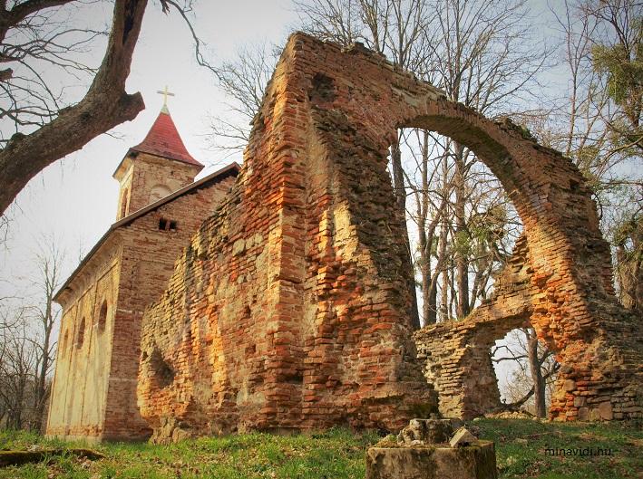 Béndekpuszta templomrom