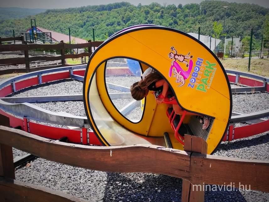 Zobori Élménypark luna loop